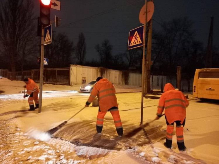 Прибирання тротуарів
